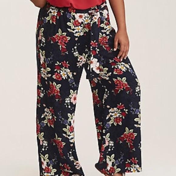 68f4fdc260 torrid Pants | Nwt Navy Floral Print Challis Wide Leg | Poshmark